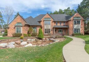 6440 Pine Hollow Drive, East Lansing, MI 48823, 6 Bedrooms Bedrooms, ,6 BathroomsBathrooms,Residential,For Sale,Pine Hollow,222885