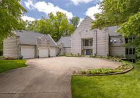 4435 Oak Pointe Court, Okemos, MI 48864, 5 Bedrooms Bedrooms, ,5 BathroomsBathrooms,Residential,For Sale,Oak Pointe,237202