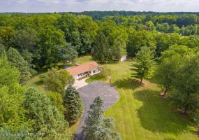 645 Haslett Road, Williamston, MI 48895, 3 Bedrooms Bedrooms, ,3 BathroomsBathrooms,Residential,For Sale,Haslett,239814