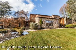 3 Cottonwood Lane W, Holmdel, NJ 07733