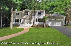 30 Vista Drive, Morganville, NJ 07751