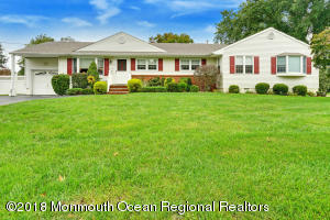 123 Irwin Place, New Monmouth, NJ 07748