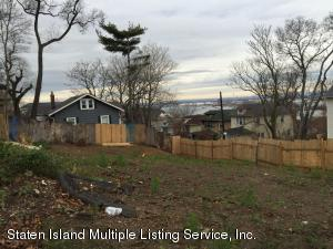 66 Eadie Place, Staten Island, NY 10301