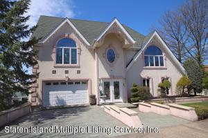 Welcome to 60 Wards Point Ave a waterfront home.