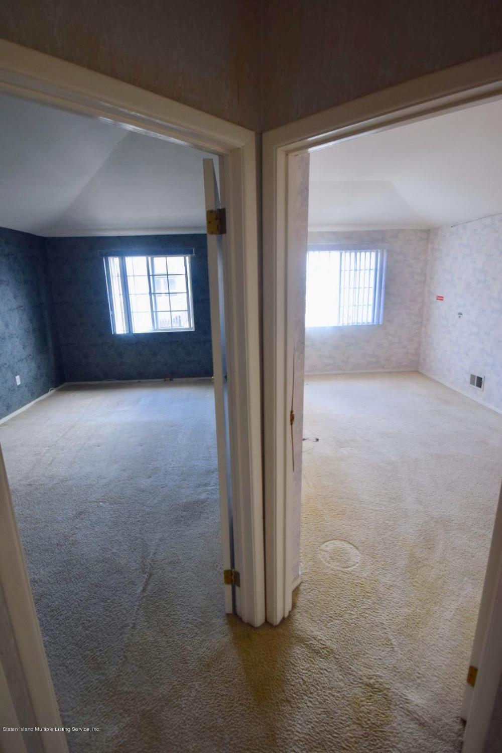 A 61 Country Dr E Staten Island,New York,10314,United States,2 Bedrooms Bedrooms,6 Rooms Rooms,2 BathroomsBathrooms,Residential,Country Dr E,1123606