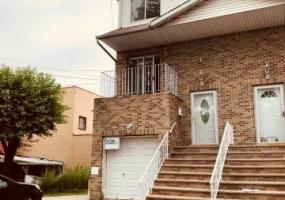 9 Eldridge Avenue,Staten Island,New York,10302,United States,3 Bedrooms Bedrooms,6 Rooms Rooms,3 BathroomsBathrooms,Res-Rental,Eldridge,1124311
