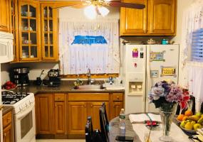 #6 49 Newberry Avenue,Staten Island,New York,10304,United States,2 Bedrooms Bedrooms,3 Rooms Rooms,1 BathroomBathrooms,Res-Rental,Newberry,1124405