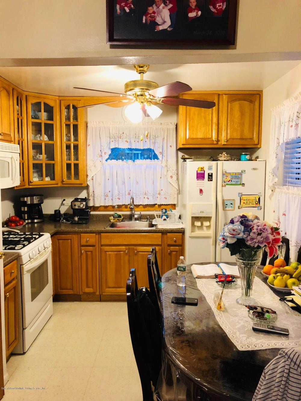 #6 49 Newberry Avenue,Staten Island,New York,10304,United States,2 Bedrooms Bedrooms,3 Rooms Rooms,1 BathroomBathrooms,Res-Rental,Newberry,1124405