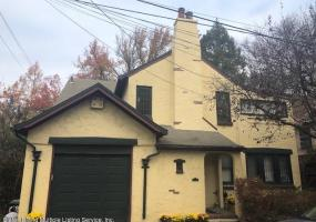 23 Fort Hill Circle,Staten Island,New York,10301,United States,3 Bedrooms Bedrooms,7 Rooms Rooms,2 BathroomsBathrooms,Residential,Fort Hill,1124413