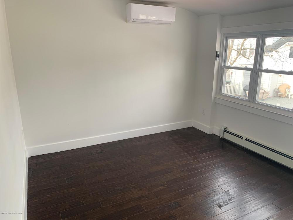 285 Hampton Green,Staten Island,New York,10305,United States,2 Bedrooms Bedrooms,6 Rooms Rooms,2 BathroomsBathrooms,Res-Rental,Hampton,1124420