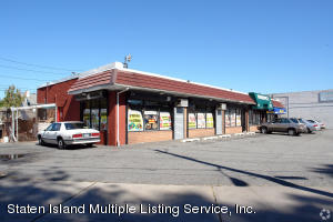 1060 Richmond Road, Staten Island, NY 10304