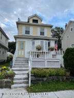 115 Llewellyn Place, Staten Island, NY 10310