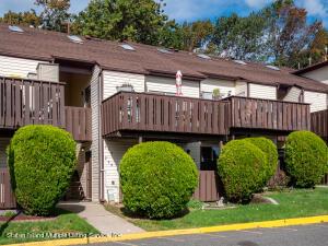 208 Timber Ridge Drive, Staten Island, NY 10308