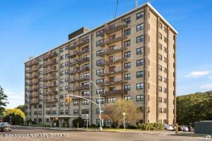 1000 Clove Road, 9b, Staten Island, NY 10310