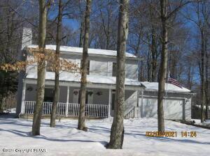 2155 Titania Rd, Tobyhanna, PA 18466