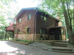 85 State Park Drive, Gouldsboro, PA 18424