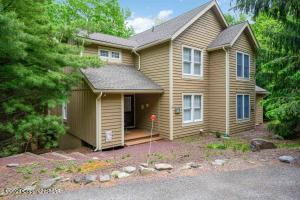 479 Spruce Dr, Tannersville, PA 18372