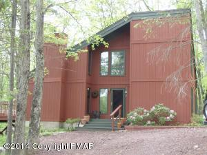 341 Valley Rd, Canadensis, PA 18325