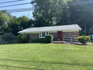 716 Delaware Ave, Mount Bethel, PA 18343