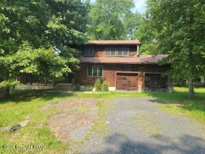 2111 Wilderland Rd, Tamiment, PA 18371