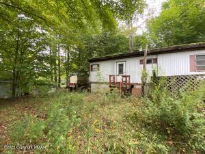 106 Deer Rd, Greentown, PA 18426