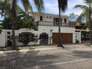 113 Gaviotas, Casa Las Palmas, Puerto Vallarta, JA