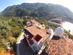 137 Calle Candida Azucena, Lote Lomas de Mismaloya, Puerto Vallarta, JA
