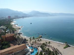 2477 Francisco Medina Ascencio Ave 1-2103, Grand Venetian, Puerto Vallarta, JA