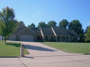 1322 CEDAR RIDGE Dr., Moberly, MO 65270