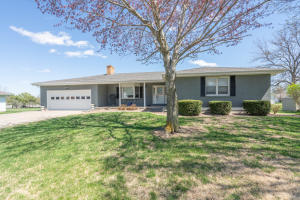 1204 Cherry Lane, Macon, MO 63552