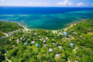 Palmetto Bay, Prime 10 Acre Beachfront, Roatan,
