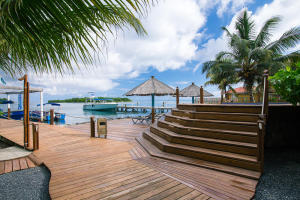Dixon Cove, Tobri Divers Boutique, Roatan,