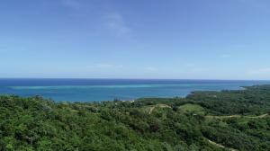 across from Fantasy Island, 26.183 acres with Ocean Views, Roatan,