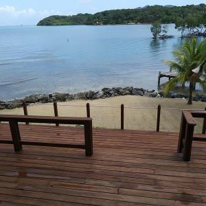Beachfront Home +Rental, Punta Blanca, Roatan,