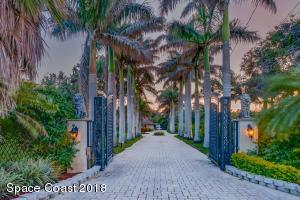 Property for sale at 6215 S Tropical Trail, Merritt Island,  FL 32952