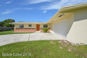 Property for sale at 105 Bay View Drive, Indian Harbour Beach,  FL 32937