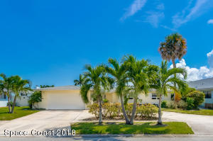 Property for sale at 412 Saint Georges Court, Satellite Beach,  FL 32937