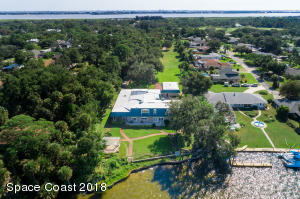 Property for sale at 1725 S Tropical Trail, Merritt Island,  Florida 32952