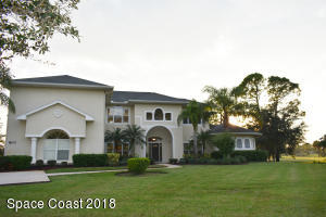Property for sale at 800 SE Yellow Wood Court, Palm Bay,  Florida 32909