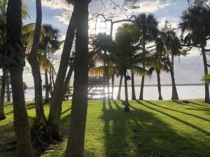 Property for sale at 6555 S Tropical Trail, Merritt Island,  FL 32952
