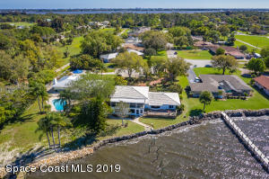 Property for sale at 400 Rio Vista Lane, Merritt Island,  Florida 32952