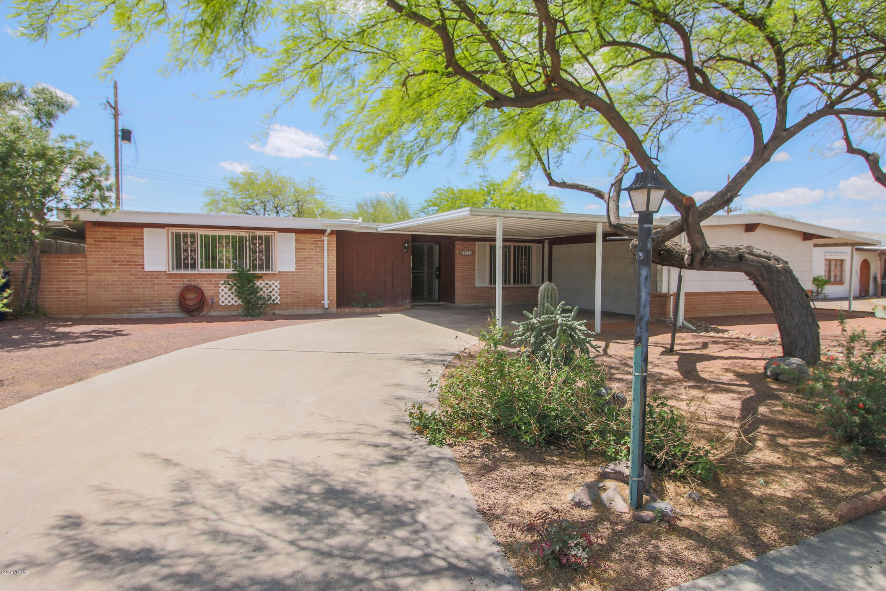 8532 E Beverly Street Tucson Az 85710 The Foothills Today