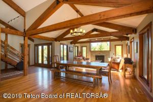 4375 W BRONCO RD, Wilson, WY 83014