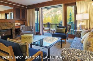 7680 GRANITE LOOP RD, 552, Teton Village, WY 83025