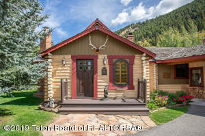 2005 HIDDEN RANCH LOOP, Jackson, WY 83001
