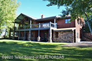 195 YELLOW ROSE DR, Alta, WY 83414