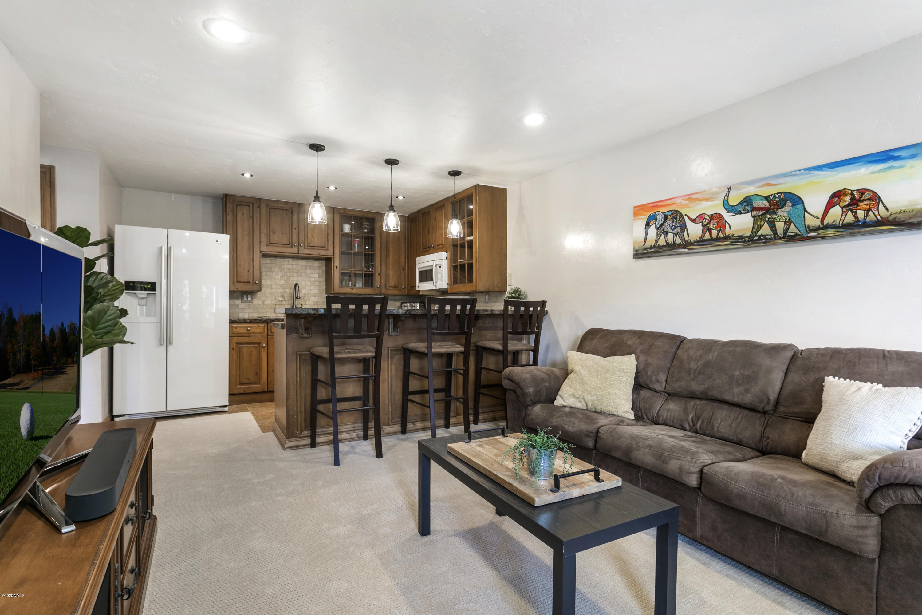 Outstanding opportunity to own an remodeled condo in the central Vail Valley for an accessible price. Conveniently located in Avon, this residence features an open floor plan and nice finishes. Enjoy the convenience of walking into town, Nottingham Lake and big views of Beaver Creek.