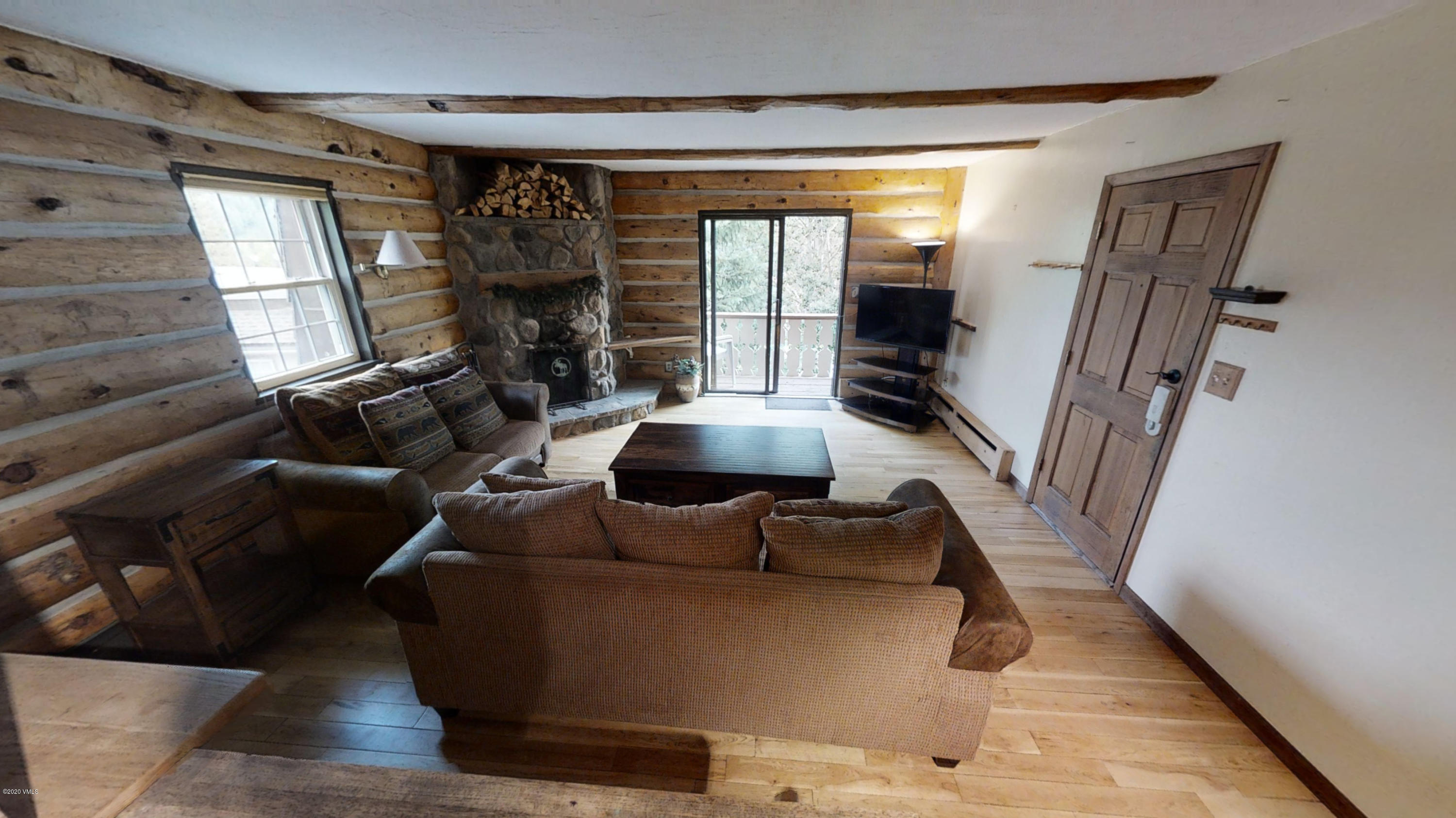 This top floor corner unit. is an East Vail Charmer, ready to move in. This is the perfect full time residence or mountain getaway. With two dedicated parking spaces steps from the entrance, don't miss out on this opportunity.