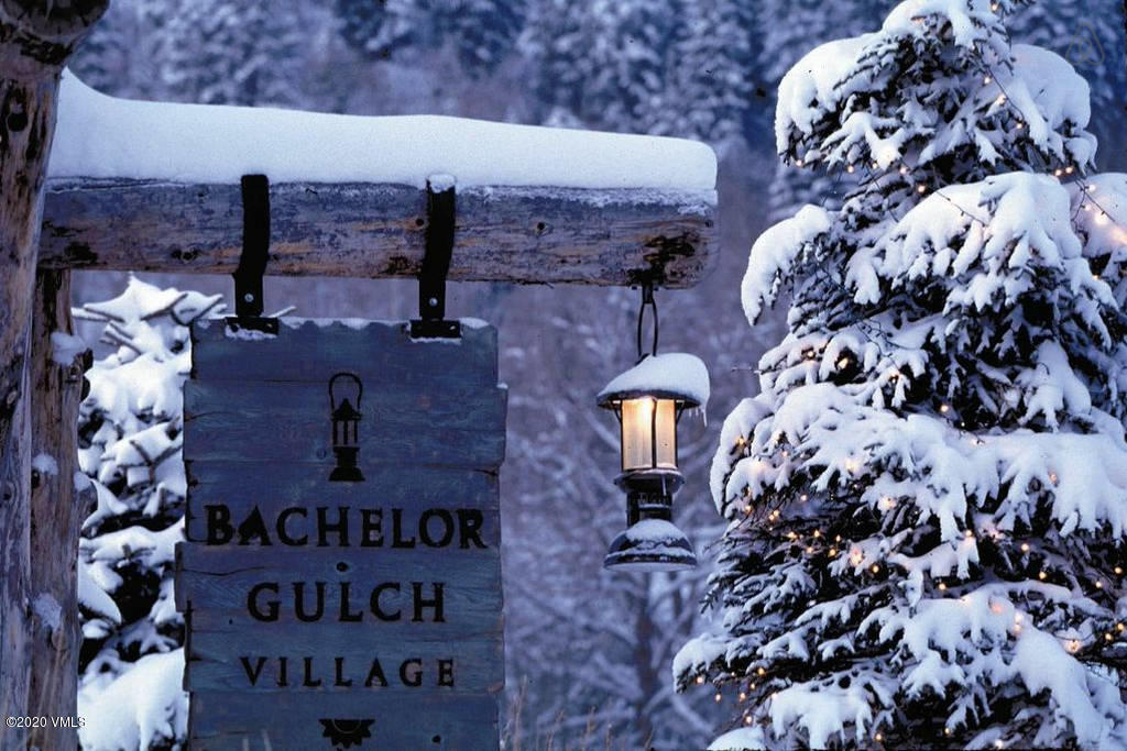 Enjoy ownership and ALL of the Luxurious amenities in the one and only 1 Bedroom 1.5 Bath Ritz-Carlton Residence Bachelor Gulch. This Residence is located on the same floor and just steps away from the Award winning Ritz-Carlton Spa.