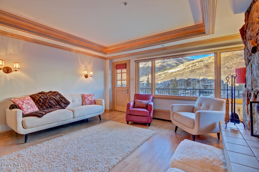 2 bedroom with lock off potential for rentals!Could be a 1 bedroom with lock off hotel roomOr two bedroom !Great Views of the Gore RangeAmenities - Pool- Hot Tub, Boutique property!Heart of Vail Village!Great Rental HistoryFront Desk!